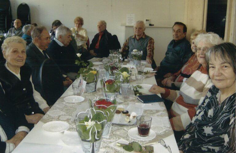 Mom Nyugdíjasok Klubja